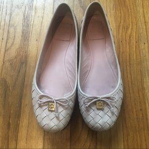 Tory Burch light pink basket weave ballet flats 8